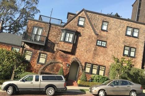 Oak Woods Manor