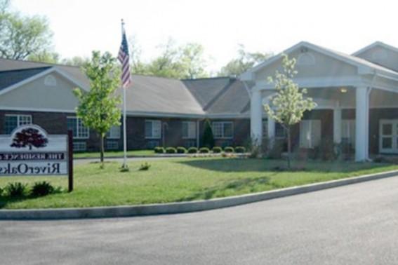 riveroaks-health-campus-3-Indiana-47670.jpeg